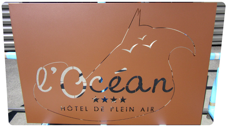 enseigne hotel plein air ile de re peinture bord de mer 17 laquage sur acier teinte mars atlantic serrurerie