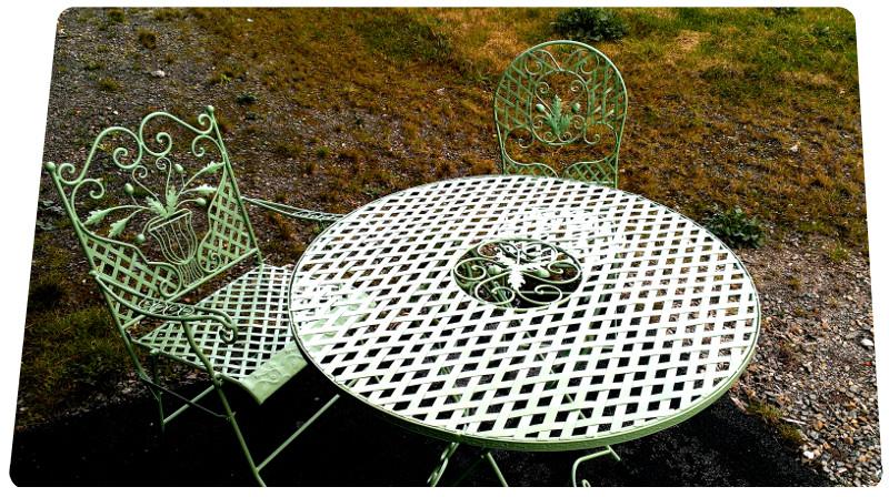 salon-de-jardin-laquage-vert-clair-table-17-la-rochelle