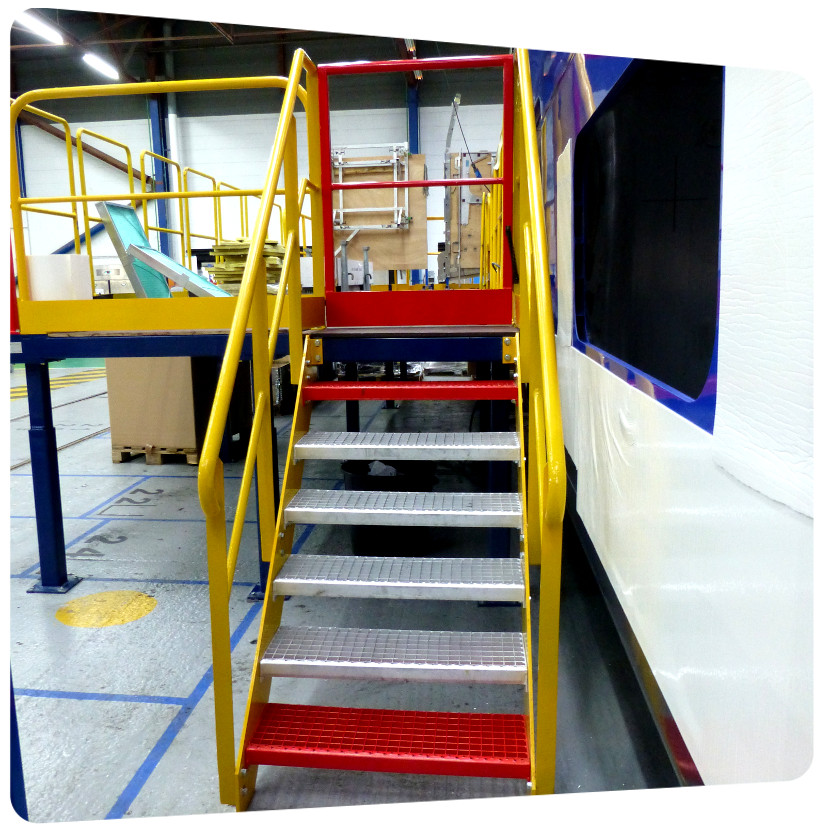 plateforme metallique industrie mise en peinture escalier