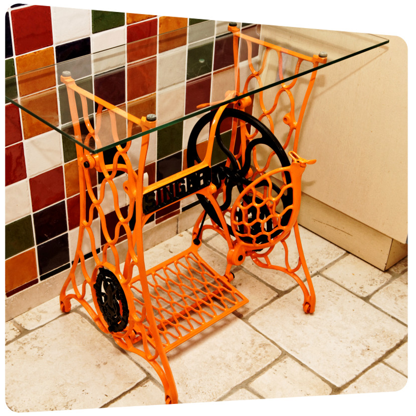 relooker machine à coudre couleur vive peinture la rochelle rochefort saintes oleron ile de re