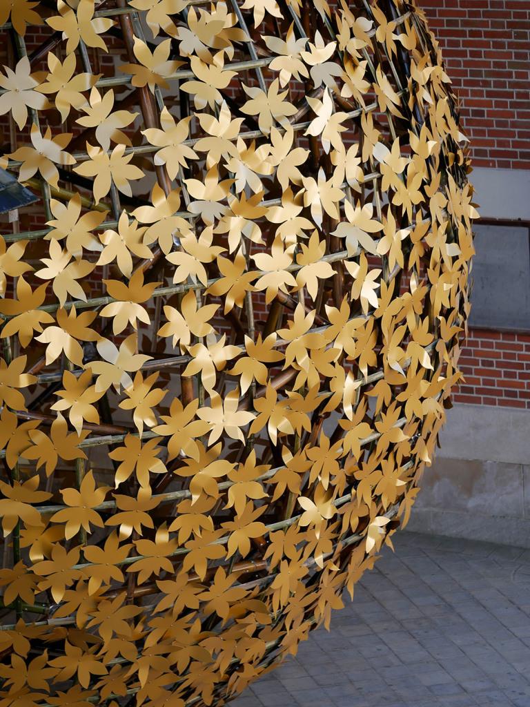 Thermolaquage  peinture  epoxy  laquage  teinte  or  dorée  gold  golden  16  17  79  33  sphère  PINTER  DOMAINE  CHAUMONT  SUR  LOIRE