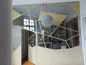 design interieur cloison acier teinte doree metallic 17