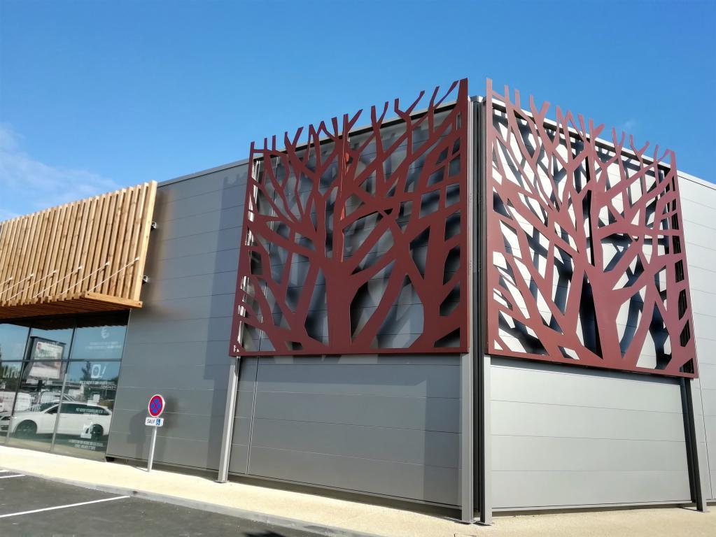 11-thermolaquage-charente-maritime-facades-arbres-acier-galvanisé-peinture