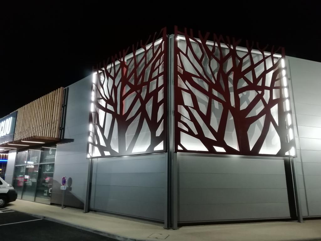 12-thermolaquage-peinture-poudre-16-17-33-79-acier-galva-grandes-pieces-habillages-facades